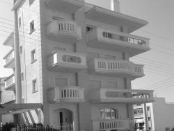 Τριώροφη Οικοδομή - Πυλαία