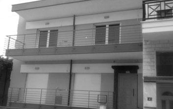Ριζική ανακαίνιση οικοδομής - Σίνδος